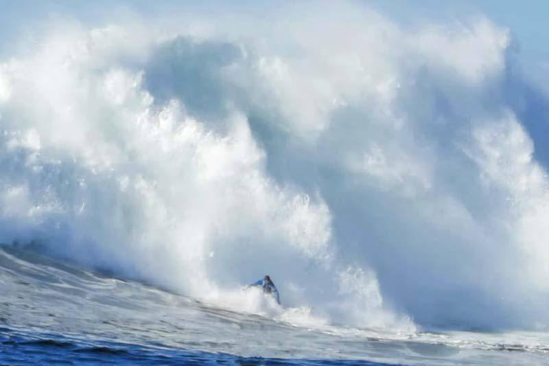 mavericks surf spot de...